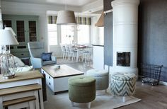 Koto Sisustussuunnittelu auttaa niin pienissä kuin suurissakin sisustusprojekteissa. Koton löydät TaloTalosta, rakentajan ja remontoijan ostoskeskuksesta. Tervetuloa! #decorating #sisustus #livingroom #olohuone #koti #home #scandinavian #takka #fireplace #rahi #diningroom #ruokailutila #green #vihreä #sisustussuunnittelu #finland #suomi #talotalo