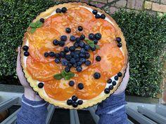 Persimmon Tart with Mandarin Glaze Persimmon Recipes, Acai Bowl, Tart, Glaze, Side Dishes, Breakfast, Food, Acai Berry Bowl, Enamel