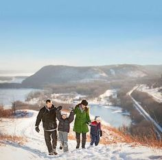 Small-town Christmas celebrations along the Mississippi River in Minnesota and Wisconsin: http://www.midwestliving.com/holidays/christmas/christmas-along-the-river