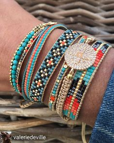 Regrann from - Nouvelle collection Golden summer aufildelamode - Loom Bracelet Patterns, Bead Loom Bracelets, Beaded Wrap Bracelets, Bracelet Crafts, Bead Loom Patterns, Hemp Jewelry, Bead Jewellery, Leather Jewelry, Beaded Jewelry