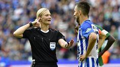 Bibiana Steinhaus ha diretto la gara tra Hertha Berlino e Werder Brema