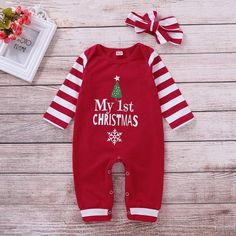 """gestreifter Overall und Stirnband mit """"My Christmas"""" My First Christmas Outfit, Christmas Clothes, Baby Girl Pajamas, Baby Girls, Toddler Girls, Twin Babies, Baby Baby, Printed Jumpsuit, Striped Jumpsuit"""