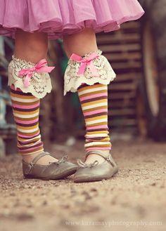 Love these cute legwarmers. They'd be super cute as kniee-high socks.