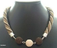 + Bead Jewellery, Pendant Jewelry, Beaded Jewelry, Jewelery, Bead Crafts, Jewelry Crafts, Jewelry Art, Bead Crochet Rope, Rope Necklace