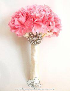 pink-carnation-bouquet