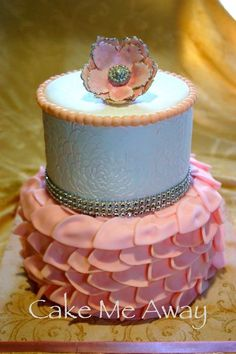 Thus would be cute for a vintage baby shower cake!
