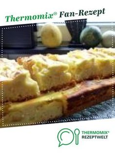 Apfelkuchen mit Schmand - einfach und lecker Apple cake with sour cream - simple and delicious from Sour Cream Cake, Thermomix Desserts, Biscuits, Fruit Tart, French Kitchen, Apple Cake, Clean Eating Recipes, No Bake Cake, Sweet Recipes