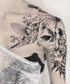 Amazing Hummingbird and Flower Tattoos on Shoulder for Women