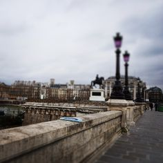 Pont-Neuf. パリ、ポンヌフにて。  #zappeto #zappeto_anytimeanywhere #poco #aquamarin #paris #PontNeuf