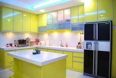 """Bếp chữ L thường được bố trí rất đơn giản với 2 bức tường có độ dài khác nhau đặt vuông góc. Các đồ dùng làm bếp sẽ được bố trí trên nền """"chữ L"""" đó."""