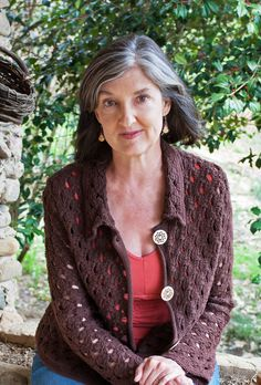 Bestselling author Barbara Kingsolver shared thoughts on her latest book, Flight Behavior, her writing style and her advice for other writers during a recent lecture in Portland. Flight Behavior, Silver White Hair, Barbara Kingsolver, Essayist, Writing Lessons, Writing Styles, Great Women, American Women, Powerful Women