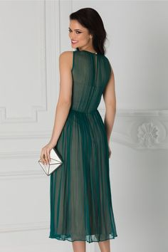Rochie verde eleganta Aplicatie cu broderie la umar Fara maneci Dresses, Fashion, Green, Embroidery, Vestidos, Moda, Fashion Styles, Dress, Fashion Illustrations