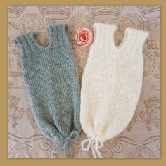 Knitting Patterns Sack Newborn to 3 months old sleeping swaddle-sack knitting PATTERN This is for a knitting pattern for y… Knitting For Kids, Baby Knitting Patterns, Baby Patterns, Knitting Yarn, Crochet Patterns, Sleeping Patterns For Babies, Pull Bebe, Baby Pullover, Baby Sleepers