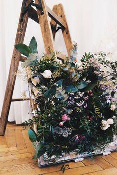 Handmade flower crown from Vienna. ❤ Exclusive custom made wedding crowns for brides ❤ Blumenkranz handgemacht in Wien anfertigen lassen. Vintage Windows, Handmade Flowers, Flower Crown, Flower Decorations, Ladder Decor, Beautiful Flowers, Magic, Bride, Wedding