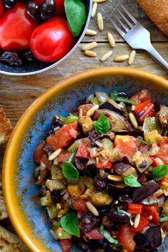 Caponata is a sweet and sour eggplant antipasto that can be used in a variety of ways. It´s perfect served as a vegan appetizer, side or main dish.