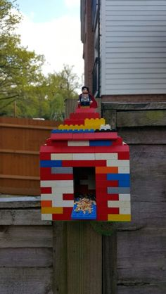 Home made bird feeder. All you need is lego