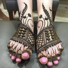 Mehndi Design Offline is an app which will give you more than 300 mehndi designs. - Mehndi Designs and Styles - Henna Designs Hand Henna Hand Designs, Dulhan Mehndi Designs, Mehandi Designs, Mehndi Designs Finger, Latest Arabic Mehndi Designs, Latest Bridal Mehndi Designs, Stylish Mehndi Designs, Mehndi Designs For Girls, New Bridal Mehndi Designs