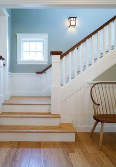 stair railing architecture in bungalow Craftsman Staircase, Wood Staircase, Stair Railing, Staircase Design, Staircase With Landing, Stair Newel Post, Stair Design, Railing Ideas, Banisters