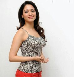 Tamanna Bhatia is one of the most beautiful and humble actresses of South Indian film industry. Indian Actress Photos, South Indian Actress, Indian Actresses, South Actress, Beautiful Bollywood Actress, Most Beautiful Indian Actress, Beautiful Actresses, Beauty Full Girl, Beauty Women