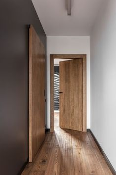 Chic apartment design of a men's apartment - luxury-interior-design-and-modern-. - Chic apartment design of a men's apartment – luxury-interior-design-and-modern-design-hallway- - Apartment Chic, Male Apartment, Apartment Door, Dream Apartment, Apartment Furniture, Apartment Interior, Apartment Living, The Doors, Entry Doors