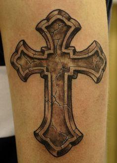 Kreuz Tattoo attraktive Designideen
