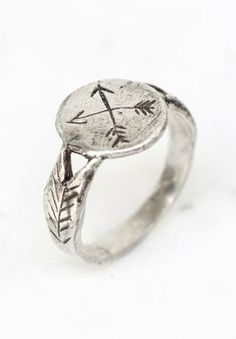 Silver crossed arrows signet ring by  @Sharon Carpenetti Clusters