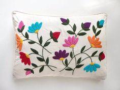 almohadones bordados mexicano