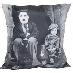 Almofada Impressão Digital Charlie Chaplin Menino Preto & Branco