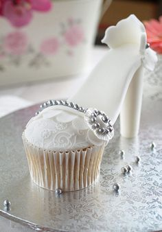 High Heel Cupcake. I think this is the prettiest I have seen. Love it!