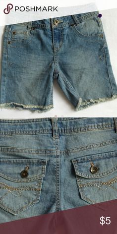Girls 10Slim Jeans Capri NWT size 10slim--- Jean Capri with waist adjusters inside 58% ramie 25% cotton 16% polyester 1% spandex Arizona Jean Company Other