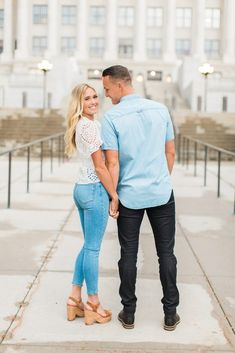 Utah State Capitol Engagement Photography | Tori & Tanner - Abbey Kyhl Winter Engagement Pictures, Country Engagement Pictures, Engagement Photo Outfits, Engagement Couple, Engagement Shots, Beach Engagement, Couple Photography Poses, Engagement Photography, Wedding Photography