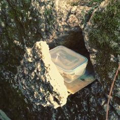 Very cool hidden cache! This must have taken some work to find the right spot that would work. Watch the linked video to see the retrieval in action. (pinned from Instagram to Creative Geocache Containers - pinterest.com/islandbuttons/creative-geocache-containers/) #IBGCp