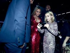 Beyoncé with Travis Barkers daughter Alabama Barker at the 59th Annual Grammy Awards 2017