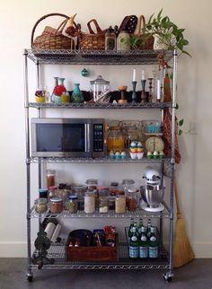 Kitchen Drawer Organization, Kitchen Shelves, Kitchen Storage, Home Organization, Kitchen Set Up, Diy Kitchen, Kitchen Decor, Apartment Needs, Apartment Kitchen