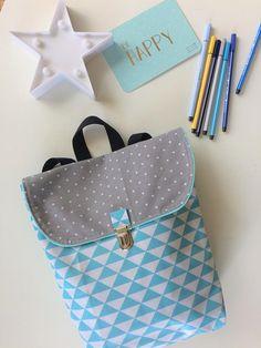 92e1e5f7d9 sac à dos enfant en coton enduit imperméable triangle bleu ciel Cartable  Maternelle, Sac À