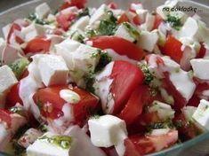 sałatka pomidory z fetą, doskonała na grilla