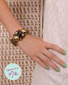 Bracelete Caveiras  http://www.squeezeme.com.br/detalhes.asp?idproduto=19871