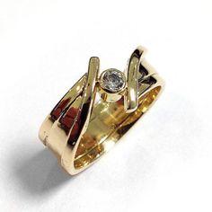 Gedenksieraden | Productcategorieën | Juwelier, Goud- en Zilversmederij André Solitaire Ring, Diamond Rings, Diamond Engagement Rings, Gemstone Rings, Mens Gold Rings, Silver Wedding Bands, Jewellery Sketches, Pearl Ring, Bling Bling