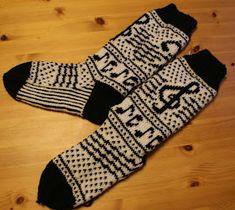 Ann Britt`s hobbyside: mars 2012 Awesome Socks, Cool Socks, Patterned Socks, Diy And Crafts, Knitting Patterns, Inspiration, Fashion, Threading, Breien
