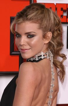 AnnaLynne McCords sexy ponytail hairstyle