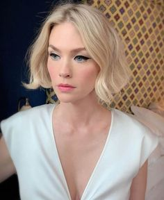 Craving a new look in These are the short hair cut and style trends to try. January Jones, First Haircut, Short Fringe, Trending Haircuts, Bowl Cut, Popular Hairstyles, Bob Hairstyles, The Girl Who, Cut And Style