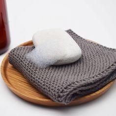 Knit Dishcloth - Corner to Corner Patterns Hobbii Knitting Patterns Free, Free Pattern, Knit Dishcloth, Knit Or Crochet, Washing Clothes, Bunt, Dyi, Dish Towels, Cloths