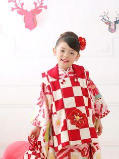 Japanese kimono little girl. #japan #kimono Photo by スタジオキャラット