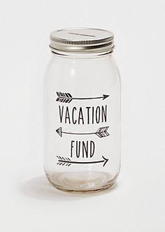 DIY mason jar piggy bank. Make now and have the girls save spending money for their Savannah trip!