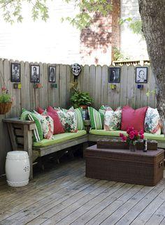 Deck Decorating, Outdoor Seating, Outdoor Spaces, Outside Seating Area, Corner Seating, Deck Seating, Corner Bench, Bench Set, Outdoor Decor