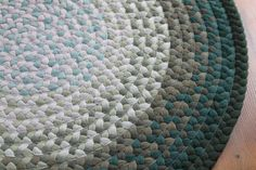 """Shades of Green 27"""" Round Rug"""