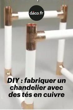 Cécile Bonnet du blog Custom' Bricol' nous montre les bons gestes pour se créer avec quelques outils de plomberie... un magnifique chandelier en cuivre. Grâce à la vidéo explicative qui suit, vous verrez qu'il est tout à fait possible de réaliser un objet très simple avec une belle finition cuivrée facilement, et même quand on ne s'y connaît pas en bricolage ! Decoration, Chandelier, Simple, Blog, Plumbing Tools, Diy Room Decor, Copper, Watch, Toile