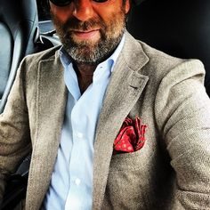 sartoriaripense: #sartoriaripense #sartoria #andrealuparelli #bespoke #fattoamano #pochette #jacket