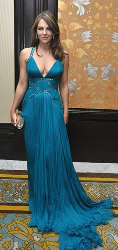 Who made Elizabeth Hurley's blue dresss that she wore to the Royal Rajasthan Gala Charity Auction dinner? Elizabeth Hurley, Elizabeth Jane, Sexy Dresses, Blue Dresses, Evening Dresses, Beautiful Celebrities, Most Beautiful Women, Sexy Older Women, Sexy Women