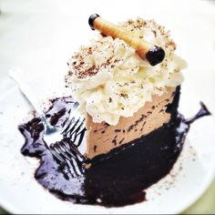 Make a pitstop in the quaint gold rush town of Jacksonville for lunch at Bella Union, and don't miss the amazing ice cream mud pie. Photo by Beers and Beans.